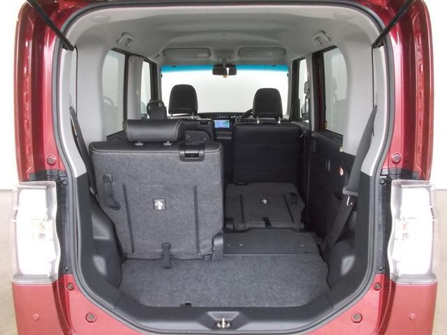 リヤシートは分割式なので、乗員や荷物も積めます!