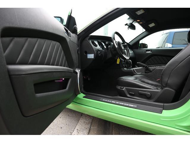 フォード フォード マスタング V6 プレミアム ETC ワンオーナー