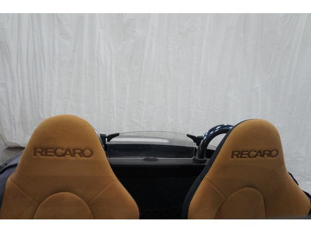レカロシートがしっかり体を支えてくれるので、長距離でも疲れませんね♪快適なドライブをお楽しみください☆