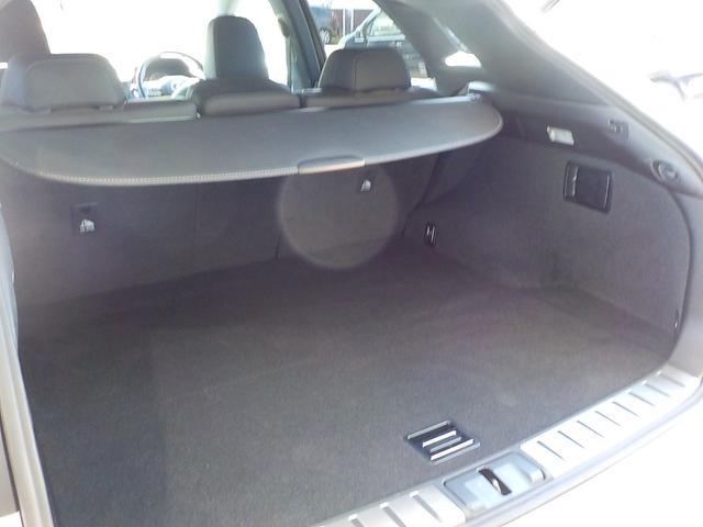 RX200t Fスポーツ 純正SDナビフルセグTV CD DVD(ブルーレイ) MSV レクサスセーフティセンス 全方位カメラ スマートキー LEDライト 黒革エアシート パワーテールゲート 純正20インチアルミ 1オーナー車(16枚目)