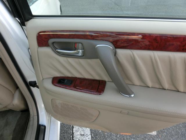 トヨタ クラウンマジェスタ 3.0Cタイプ 本革シート 車高調 キーレス ナビ