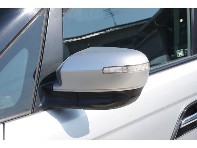 S HDDナビスペシャルパッケージ ワンオーナー車両 純正HDDナビゲーション バックカメラ フルセグTV 黒半革シート ビルトインETC 両側電動スライドドア 純正17インチAW キセノンヘッドライト(32枚目)