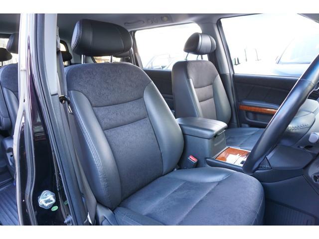 SG HDDナビスペシャルパッケージ 純正HDDナビ バックカメラ 黒半革シート 本革巻きステアリングホイール クルーズコントロール 両側電動スライド VENERDi19インチAW TEIN車高調 キセノンヘッドライト ビルトインETC(4枚目)