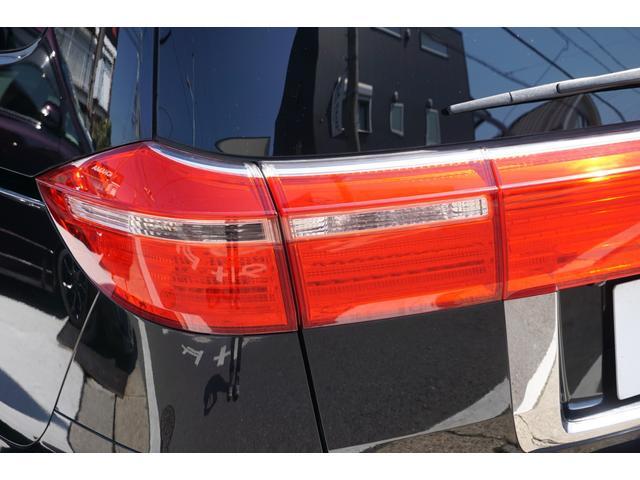 SG HDDナビスペシャルパッケージ 純正HDDナビ バックカメラ 黒半革シート 本革巻きステアリングホイール クルーズコントロール 両側電動スライド VENERDi19インチAW TEIN車高調 キセノンヘッドライト ビルトインETC(34枚目)