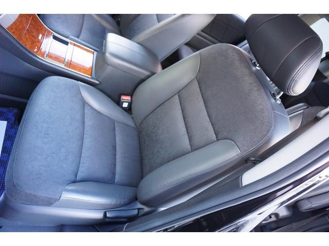 SG HDDナビスペシャルパッケージ 純正HDDナビ バックカメラ 黒半革シート 本革巻きステアリングホイール クルーズコントロール 両側電動スライド VENERDi19インチAW TEIN車高調 キセノンヘッドライト ビルトインETC(54枚目)