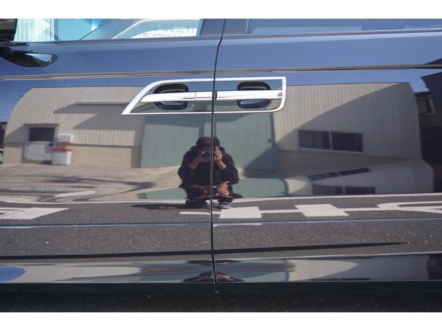 SG HDDナビスペシャルパッケージ 純正HDDナビ バックカメラ 黒半革シート 本革巻きステアリングホイール クルーズコントロール 両側電動スライド VENERDi19インチAW TEIN車高調 キセノンヘッドライト ビルトインETC(73枚目)