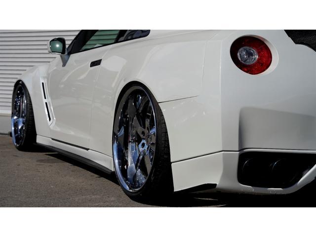 プレミアムエディション HKSGT800キット/845馬力/油圧リフタ/ワイドボディ/後期純正パールホワイト/オリジナル外装(10枚目)