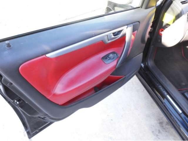 内装赤革シート!!バッテリー新品交換。社外17インチホイール。下取り、買取も可能です!まずはあなたの愛車の状況をお教え下さい!