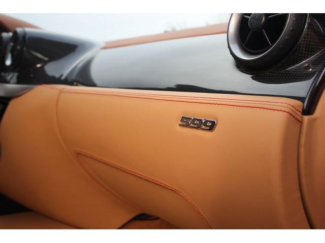 フェラーリ フェラーリ 599 F1 LEDハンドル カーボンブレーキ HDDナビ