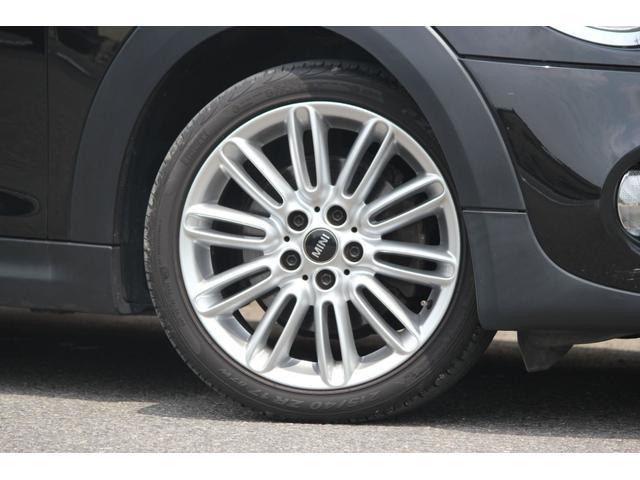 14y MINI クーパーS AT 入庫致しました!14y-モデルチェンジが行われ、全く新しいミニへと進化を遂げました!