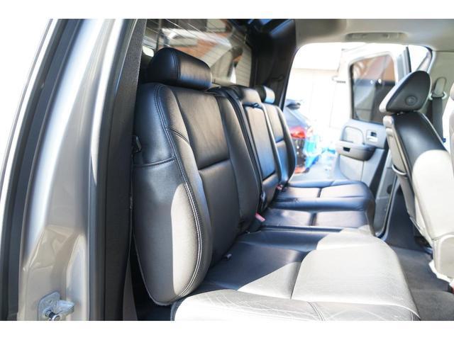 「キャデラック」「キャデラック エスカレードEXT」「SUV・クロカン」「岐阜県」の中古車32