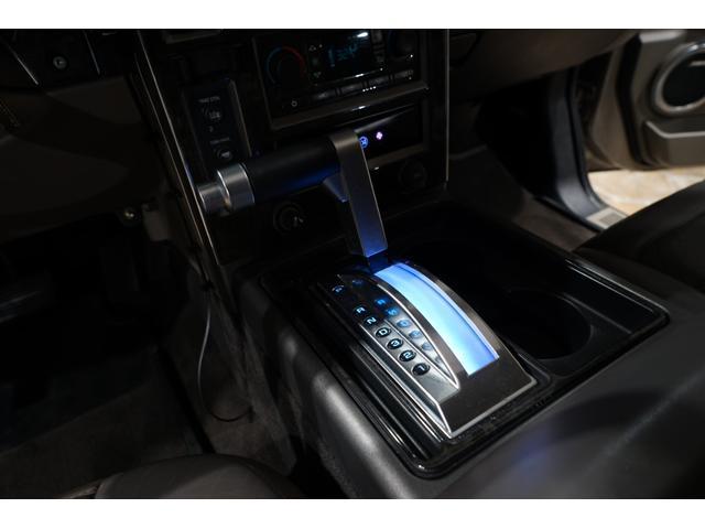 ROCK STXRR28AW ゼノンフルエアロ ROCK STXRR28AW ゼノンフルエアロ 社外4本出しマフラー KYBショック バネサス 社外ヘッドライト LEDデイライト IPF・LEDフォグ 3列シート メッキパーツ(39枚目)