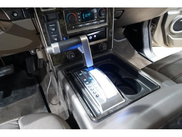 ROCK STXRR28AW ゼノンフルエアロ ROCK STXRR28AW ゼノンフルエアロ 社外4本出しマフラー KYBショック バネサス 社外ヘッドライト LEDデイライト IPF・LEDフォグ 3列シート メッキパーツ(40枚目)