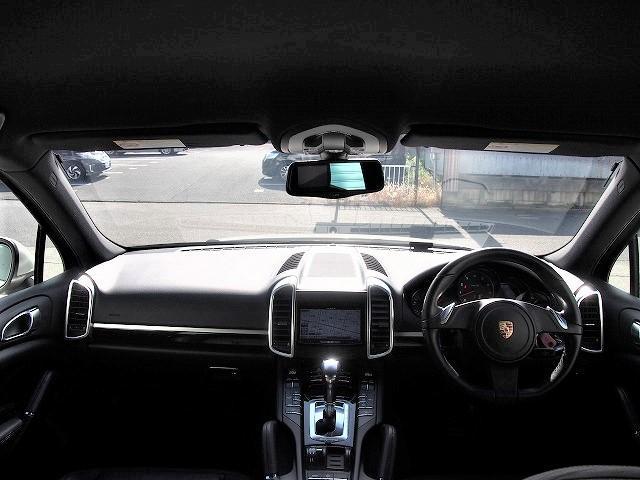 ベースグレード カロッツェリアHDD 地デジ Bモニ サイドカメラ ETC クルコン 黒本革 電動シート シートヒーター パワーリアゲート ローダウン 社外21AW 社外マフラー レッドキャリパー 正規D車(11枚目)