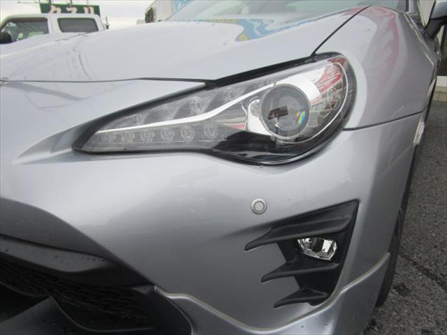 GT TRDフルエアロ HKSサスペンション アンダーブレースメント 6MT 障害物センサー 社外ナビ バックモニター フルセグTV 純正17インチアルミ ブルートゥース対応(9枚目)