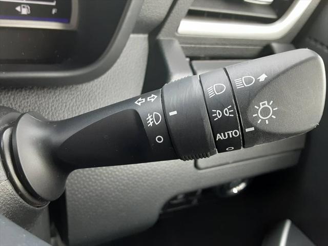 カスタムG-T 1年保証付 スマートアシスト アルパインナビ クルーズコントロール シートヒーター Bluetooth対応 全方位カメラ フォグランプ プライバシーガラス(37枚目)