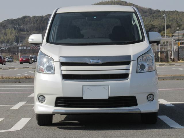 トヨタ ノア Si 地デジ付HDDナビ スマートキー 両側電動ドア HID