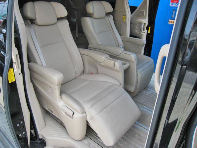 トヨタ アルファードハイブリッド G Lパッケージ 4WD 18SP本革パノラビュWSRエアロ