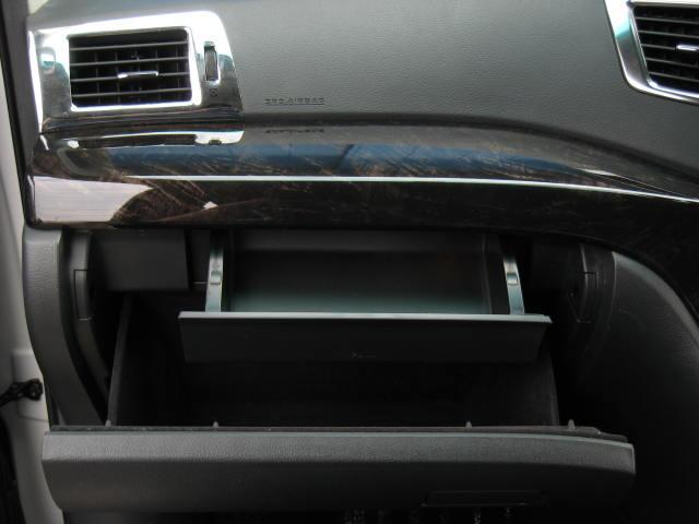●当店は、修復歴がある車は一切取り扱いをしていません!●高品質&高年式&高グレード&低走行&オプション装備にこだわりをもっています!●新車からのお値打ち感を十二分に味わって頂ける内容のラインナップ!