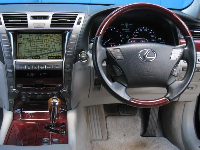 LS600hL後席セパレートシートPG 4WDエアロ20AW(10枚目)
