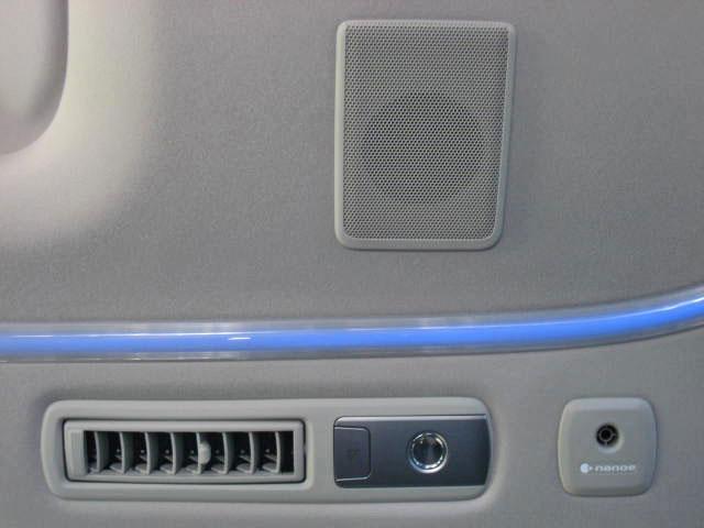 ★TRDエアロパーツ&マフラーセット(フロントスポイラー<LEDデイタイムランプ[左右各6灯、白色]>、サイドスカート、リヤバンパースポイラー&ハイレスポンスマフラー<4本出しリアルマフラー仕様>)