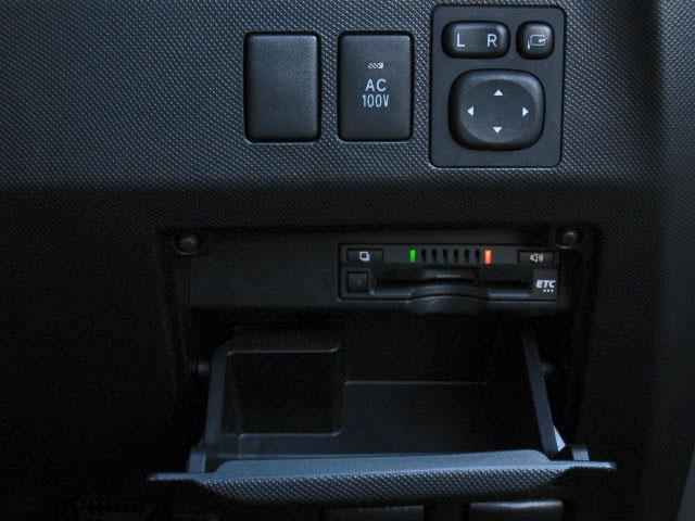 アエラス プレミアム 4WD プリクラSDナビPBドアCソナ(16枚目)