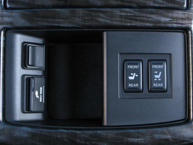 VIP 4WD全OP踏違レダクルBOSE後席シアタWSR黒革(19枚目)