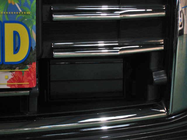 ★LEDヘッドランプ(ハイ/ロービーム、オートレベライザー付)★シグネチャーLEDポジションランプ★アクティブAFS★オートライトシステム★インテリジェントキー★プッシュエンジンスターター