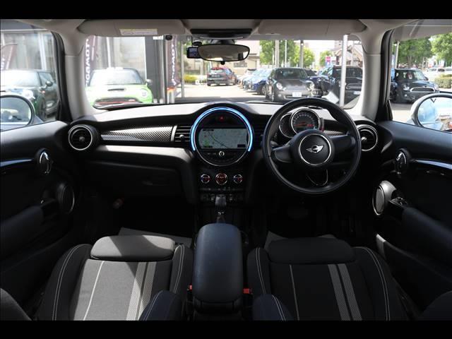 3ドア COOPER S GIGAMOTフロントリップ&17インチアルミ&ダウンサス 純正HDDナビ Bluetooth接続 ETC LEDヘッドライト アームレスト アイドリングストップ オートエアコン(3枚目)
