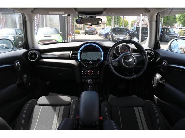 3ドア COOPER S GIGAMOTフロントリップ&17インチアルミ&ダウンサス 純正HDDナビ Bluetooth接続 ETC LEDヘッドライト アームレスト アイドリングストップ オートエアコン(22枚目)