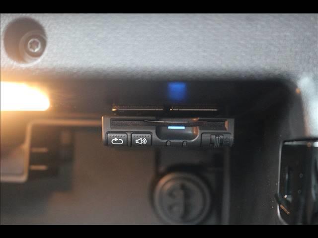 3ドアJOHN COOPER WORKS 4WD H&Rダウンサス SPORTモード ETC 純正18インチ オートエアコン HID 禁煙車 パドルシフト MTモード 純正18インチアルミホイール(8枚目)
