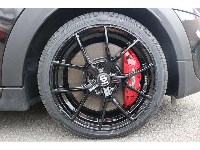 ジョンクーパーワークス コンバーチブル 新品SPARCO17インチAW 新品BLITZ車高調 新品GIGAMOTフロントリップ&サイドディフューザー 純正ナビ クルコン スマートキー ダイナミカシート ドライビングモード PDC(56枚目)