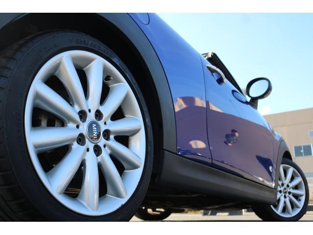 知識豊富なMINI専門スタッフが応対致します。カスタマイズ・車検・点検整備・事故等の修理などアフターサービスもご安心ください。