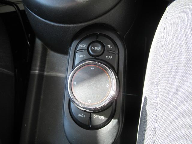 クーパーS 純正HDDナビ GIGAMOT17インチアルミ バックカメラ リアソナー 1オーナー ヘッドアップディスプレイ アディショナルヘッドライト ETC オートライト 純正16inブラックアルミ(39枚目)