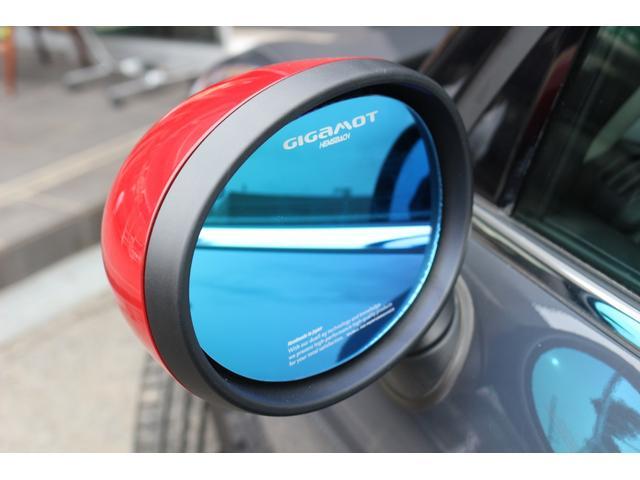クーパーSD 新品GIGAMOT17インチアルミ&ブルーミラー&カーボンテールピース&フロントリップ&ダウンサス 純HDDナビ Bカメラ コンフォートアクセス アイドリングストップ ミラーETC(5枚目)