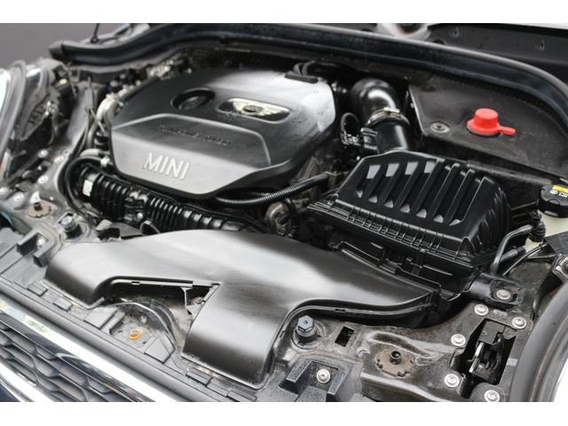 クーパーS 1オーナー GIGAMOTテールピース&ダウンサス 新品ENKEI17インチアルミ  純正HDDナビ バックカメラ ミラーETC オートライト オートライト MTモード パークディスタンスコントロール(18枚目)