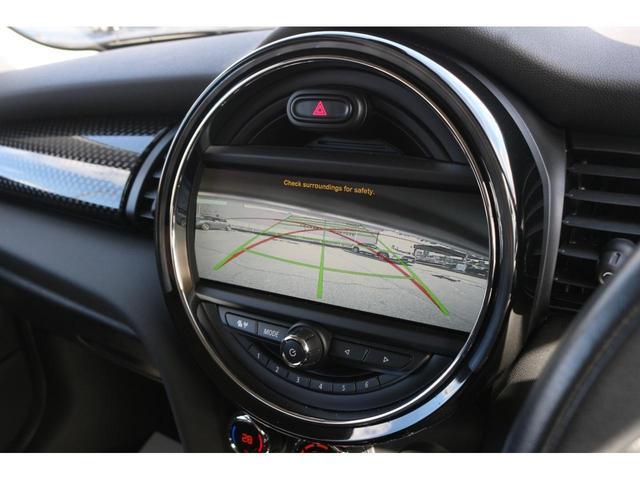 3ドア COOPER S GIGAMOT17インチアルミ&テールピース MSKフロントリップ 純正HDDナビ バックカメラ ETC LEDヘッドライト オートライト MTモード オートエアコン LEDフォグ ミラーETC(5枚目)