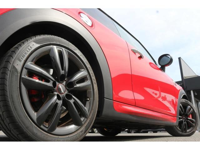 ジョンクーパーワークス GIGAMOTフロントリップ H&Rダウンサス ダイナミカシート ハーマンカードンスピーカー フルセグTV シートヒーター Bカメラ MINIドライビングアシスト ドライビングモード(21枚目)