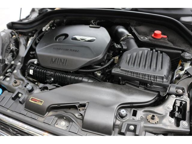 クーパーS GIGAMOTフロントリップ&17インチアルミ&ブルーミラー Bカメラ サンルーフ コンフォートアクセス ヘッドアップディスプレイ インテリジェントセーフティ ドライビングモード シートヒーター(19枚目)