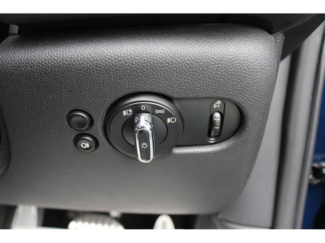 コンバーチブル ジョンクーパーワークス GIGAMOTフロントリップ アイバッハダウンサス Bカメラ コンフォートアクセス ダイナミカシート シートヒーター YOURSパッケージ ミラーETC シートヒーター HUD ドライビングモード(36枚目)