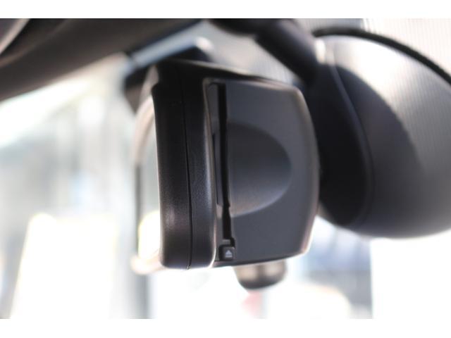 ジョンクーパーワークス GIGAMOTフロントリップ&ダウンサス ワンオーナー 6速MT 純正ナビ HUD コンフォートアクセス マルチファンクションステアリング ETC ドライビングモード 純正17インチアルミホイール(35枚目)
