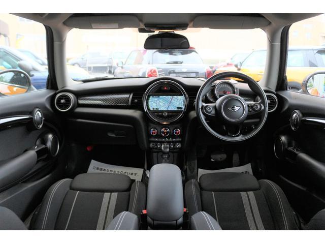 クーパーS GIGAMOT17インチアルミ&ダウンサス MSKフロントリップ 純正HDDナビ ヘッドアップディスプレイ MINIドライビングモード マルチファンクションステアリング クルーズコントロール(3枚目)