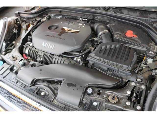 クーパーS GIGAMOT17インチアルミ&ダウンサス MSKフロントリップ 純正HDDナビ ヘッドアップディスプレイ MINIドライビングモード マルチファンクションステアリング クルーズコントロール(18枚目)