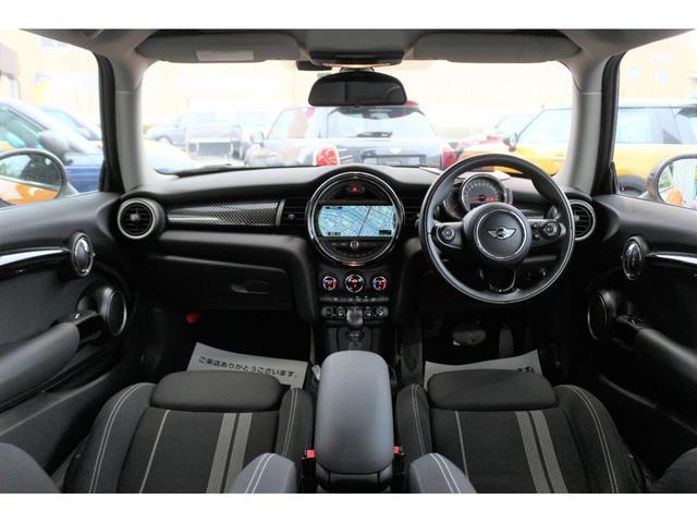 クーパーS GIGAMOT17インチアルミ&ダウンサス MSKフロントリップ 純正HDDナビ ヘッドアップディスプレイ MINIドライビングモード マルチファンクションステアリング クルーズコントロール(25枚目)