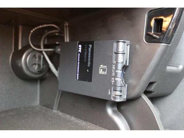 クーパーD クロスオーバー ブラックデザインパッケージ RMP18インチアルミ H&Rダウンサス HIDヘッドライト オートライト 純正17インチアルミホイール ETC車載器 AUXポート プッシュスタート MTモード(7枚目)