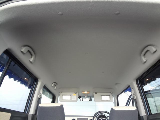 天井の状態も年式・距離相応です★運転席&助手席サンバイザーにはエチケットミラー付き★