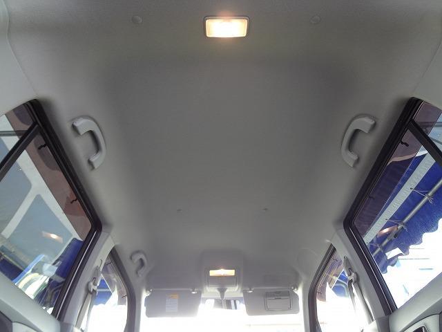 天井の状態も年式・距離相応です★運転席サンバイザーにはエチケットミラー装備★