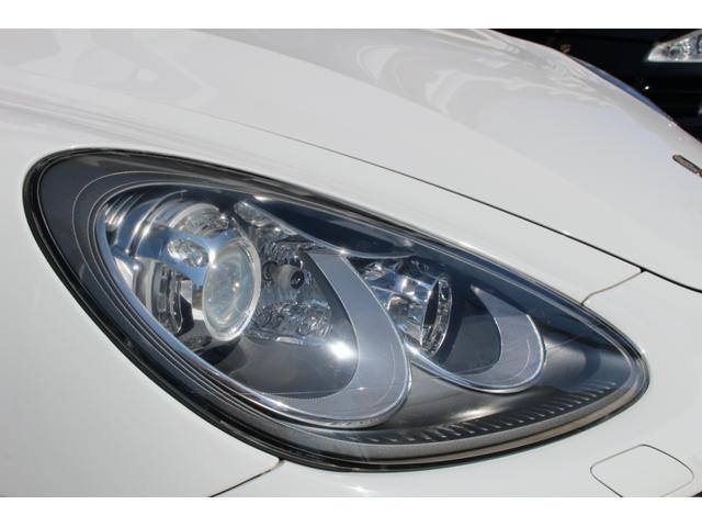 ヘッドライトは黄ばみくすみ少なく良い状態が保たれております