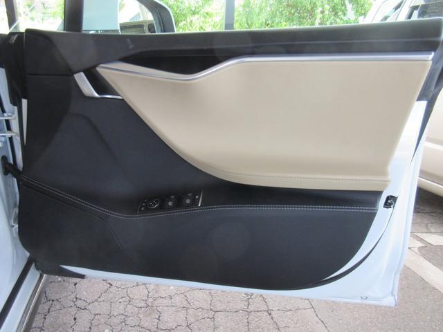 テスラ テスラ モデルS P85D 4WD 22インチアルミ 自動運転 サンルーフ
