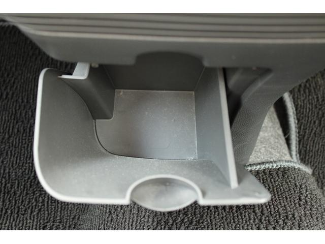 X FM/AMラジオ CD 禁煙車 スマートキー2個 電動格納ミラー プッシュスタート ベンチシート(33枚目)